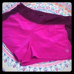 🎉HOST PICK 🎉Athleta pink running 🏃♀️ shorts